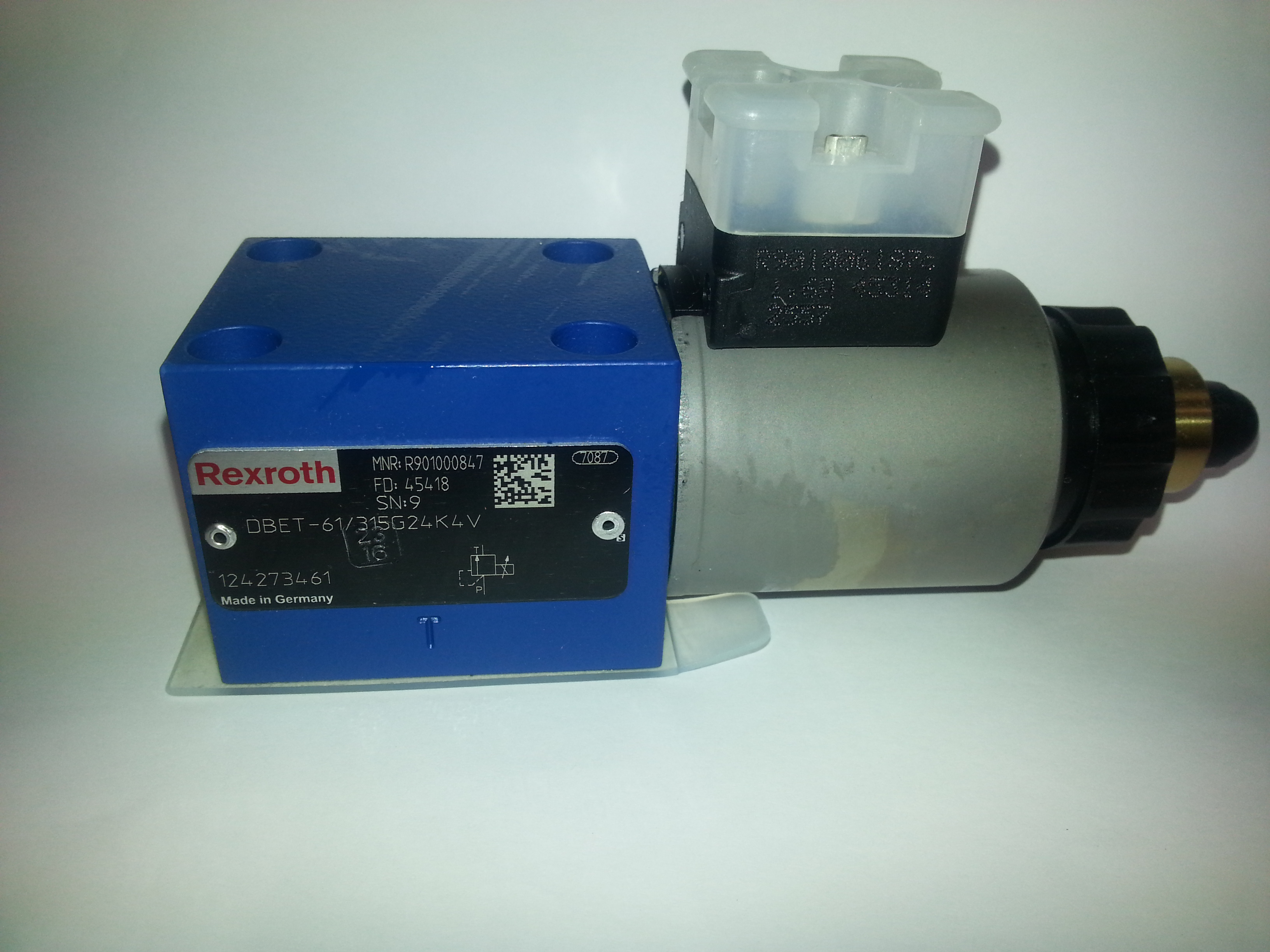 WMS Customer Portal - 4/2 way valve NG06 24VDC4WE6D6X/EG24N9K4